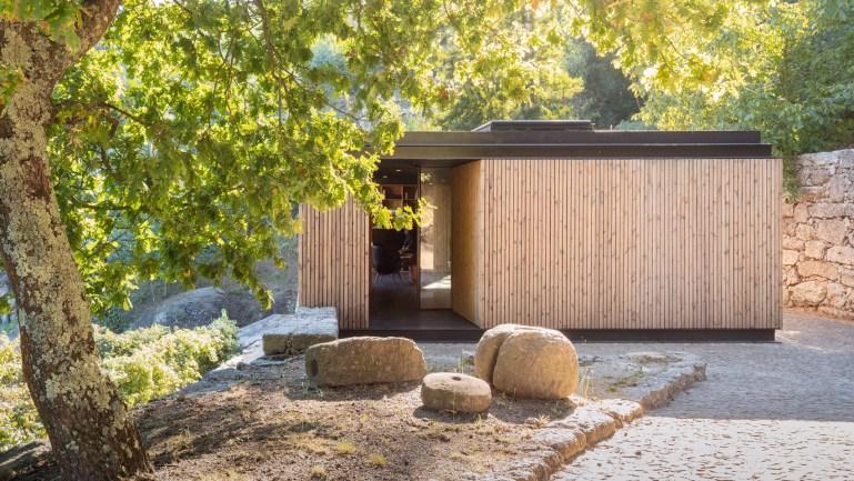 ポルトワインの産地に建つ。ワイナリーに隣接するスモールハウス「Pavilion House」