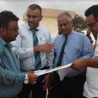 """وكيل عدن """" شائع """" يؤكد بأن قيادة المحافظة لن تتهاون في التصدي لكل من يعبث في أراضي حقل بئر أحمد المائي"""