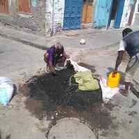 خلال أسبوعين.. عمل تخريبي جديد يطال شبكة الصرف الصحي في التواهي