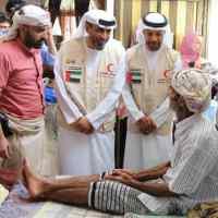 مدير عام مديرية الشيخ عثمان بعدن وممثلوا الهلال الاحمر الاماراتي يتفقدون دار العجزة والمسنين