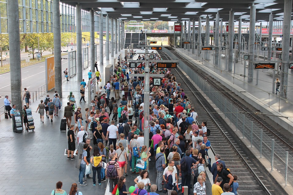 railway-station-1645356_960_720
