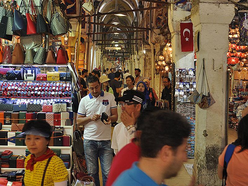 89d846348 السوق المسقوف في اسطنبول - البازار الكبير - يا هلا اسطنبول