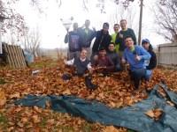 2016-10-11-yakima-missionaries-serve-21