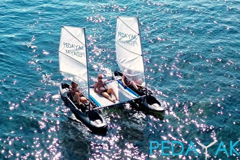 Pedayak Sailing