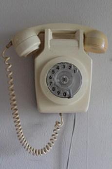 電話の引越しで固定電話の移転手続きは難しくはありません。
