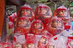 高崎だるま市はすごく人気がある行事でご利益が期待できます。