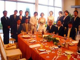 結婚式の服装マナーは男性、女性とも、気を付けたいですね。