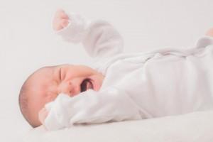赤ちゃんが便秘の時は、綿棒や浣腸で解消してあげましょう。