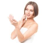 化粧崩れしない下地とファンデーションは?防止方法と夏の汗対策