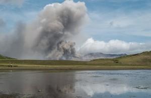 mt_hakone_eruption_002