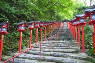 貴船神社へのアクセス方法と鞍馬寺からの所要時間を調べました。