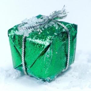 クリスマスプレゼントで彼女が喜ぶ、人気のネックレスや時計を調べました。