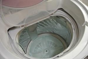 羽毛布団の洗濯と手入れ方法。自宅で干し方は?クリーニングと収納術