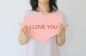 バレンタインのメッセージで英語の例文。彼氏や上司、義理の文例は?