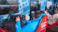 Yarış öncesi seyircilerle takım sürücülerinin beraber yarıştıkları E-Race