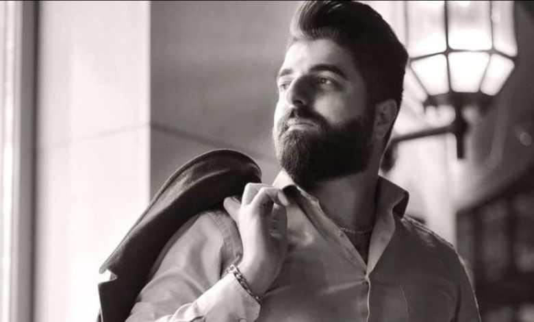 "Photo of المغني السوري ""آدم كادورة"" سلسلة نجاحات متتالية ، وموهبة فنية تلفت الإنتباه ."