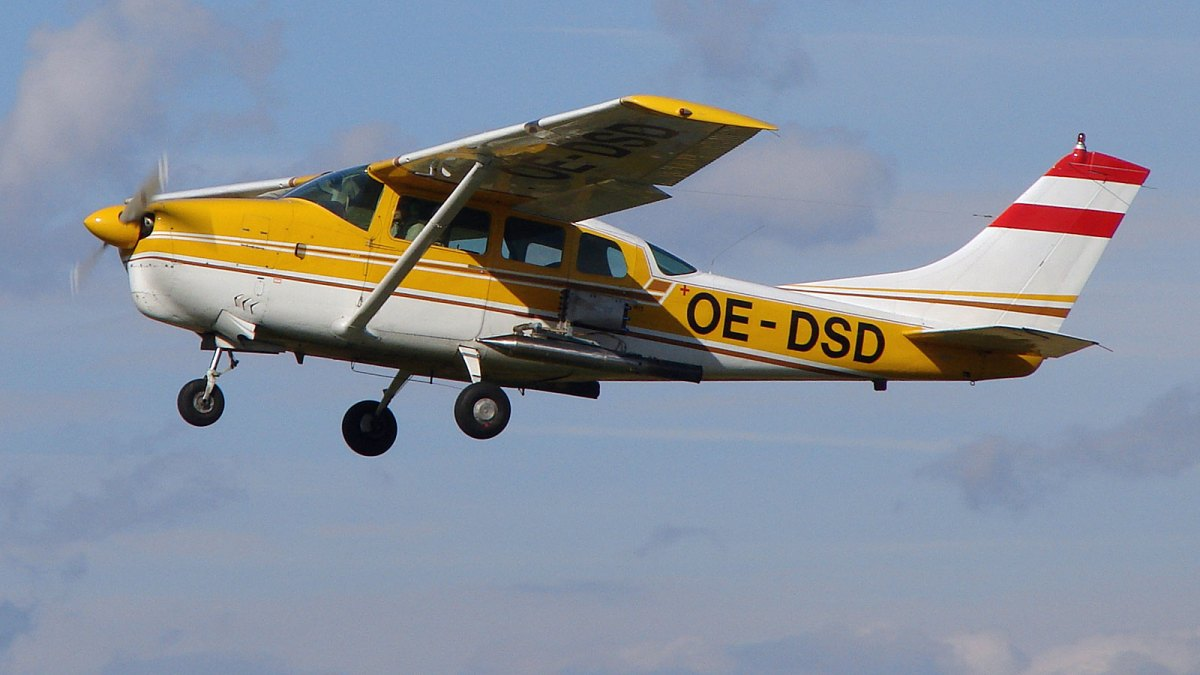 Cloudseeding airplane