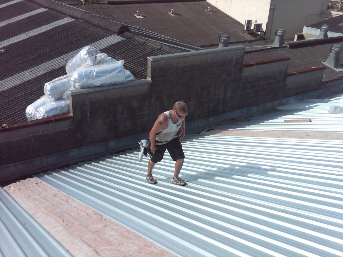 How much does a new roof cost to install reroofing