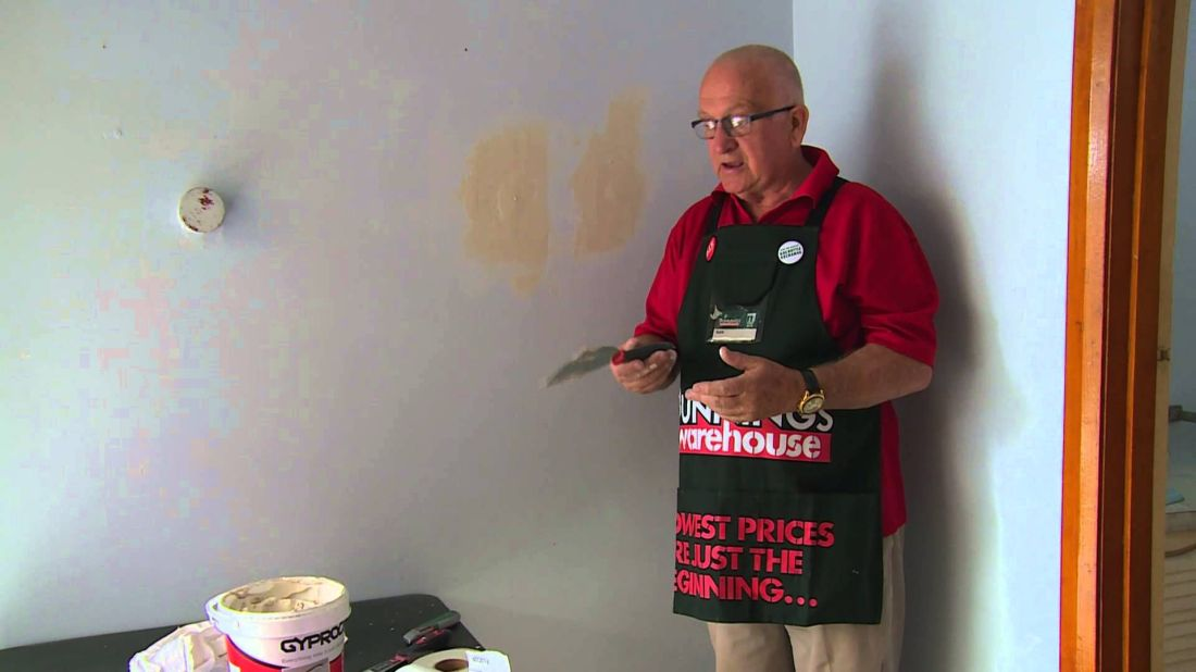 How to repair a hole in a plaster wall diy at bunnings