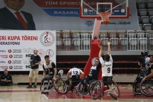 Tekerlekli Sandalye Basketbol Süper Ligi'nde şampiyon İzmir Büyükşehir Belediyespor