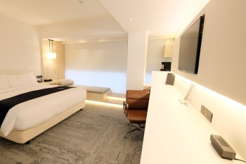 二十輪旅店大安館︳純白色設計旅店,無可挑剔高品質台北住宿(近大安捷運站)