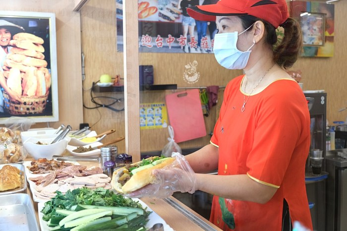 越南法國麵包工藝︳台中中區排隊美食,天天饅頭旁邊