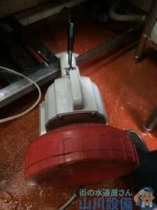 大阪府枚方市岡東町  排水パイプ水漏れ修理  排水つまり修理  ドレンクリーナー