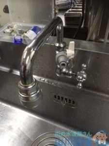 大阪府大阪狭山市半田  食洗機下配管水漏れ修理  蛇口水漏れ修理