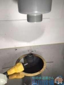 大阪府大阪市北区天神橋  排水蛇腹ホース水漏れ修理