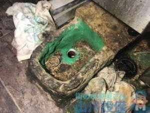 リピーター様から店舗の排水つまり修理依頼はドレンクリーナーを使って解消!