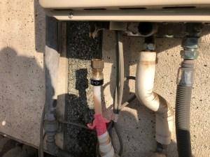 大東市灰塚で給湯配管の水漏れは山川設備にお任せ下さい。