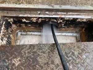天理市田部町でグリストラップからの洗管作業は山川設備にお任せ下さい。