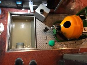 大阪市中央区千日前でブレードカッターを使った通管作業は山川設備にお任せ下さい。