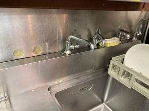 生駒市小明町でキッチンの水漏れは山川設備にお任せ下さい。
