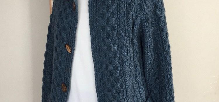 アラン模様のフード付きジャケット