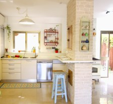 Happy kitchen decor