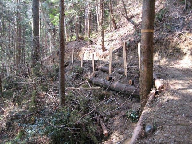 森林作業道作設#19( 丸太組工 )| やまさ育林