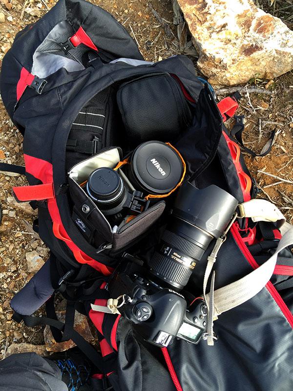ザックの半分以上は撮影機材