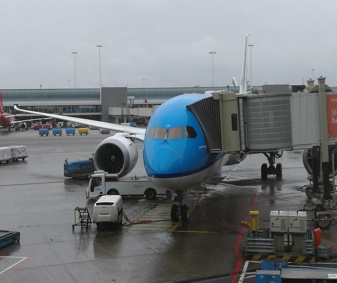 Embarquement à Amsterdam-Schipol