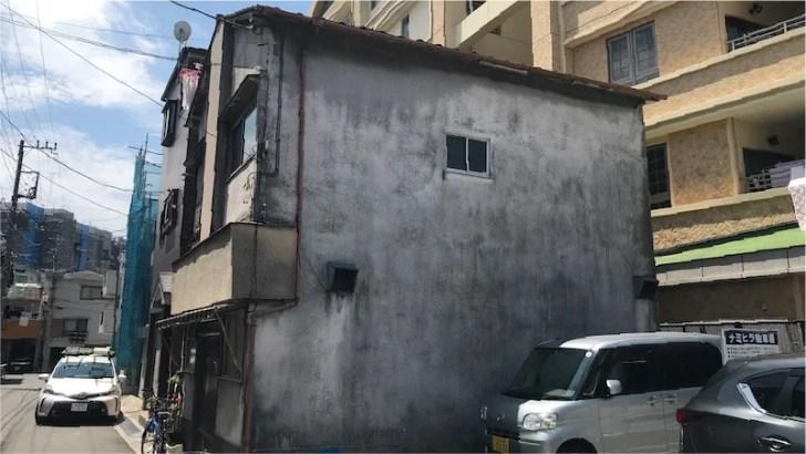 経年劣化で汚れた外壁