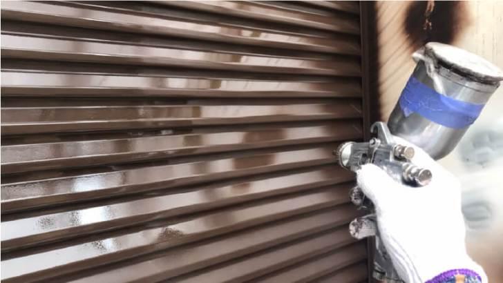 雨樋の吹き付け塗装