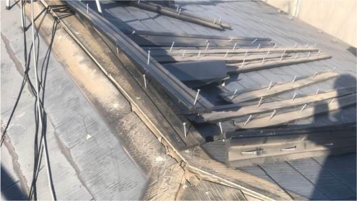 練馬区の屋根葺き替え工事の棟板金の撤去