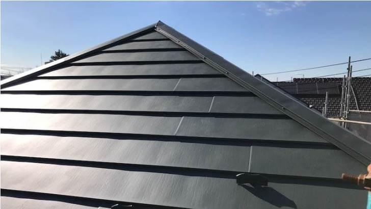 千葉市の屋根リフォームのガルバリウム鋼板の施工後の様子