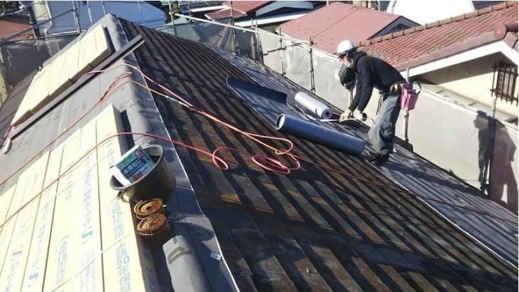 練馬区の屋根リフォームの防水シートの設置