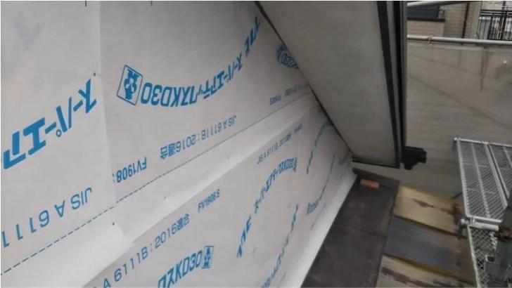 蕨市のサイディング工事の防水シートの設置