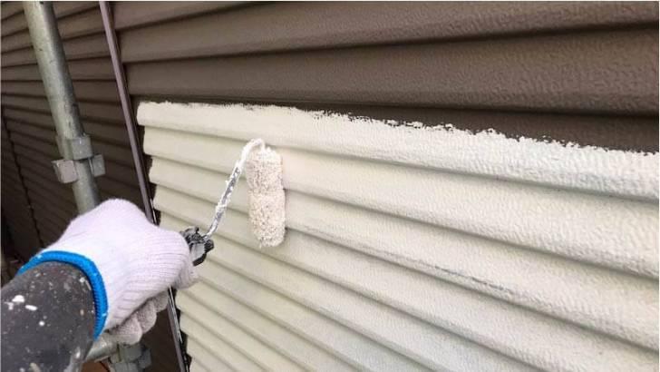 付帯部の雨戸の塗装