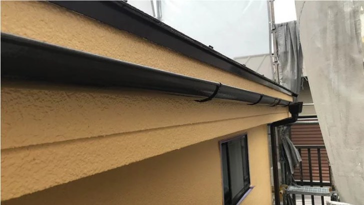 付帯部の雨樋の塗装