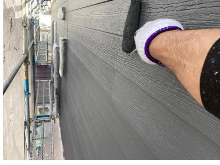 船橋市の外壁塗装の上塗り