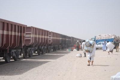 De Nuadibú a Zuerat, el tren del hierro (Mauritania)
