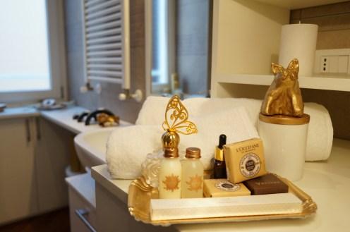 decoartpiece . momento d'oro . golden apartment . interior apartment 41